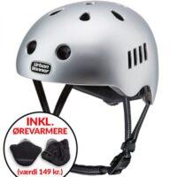 * TILBUD INKL. ØREVARMERE * Sølv letvægts cykelhjelm med magnetlås og reflekser, UrbanWinner Lightning Silver